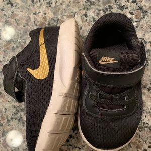 Nike toddler boy shoes 5C